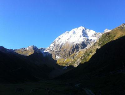 bergtour-gipfeltour-habicht-schnee-innsbrucker-huette-urlaub-am-berg